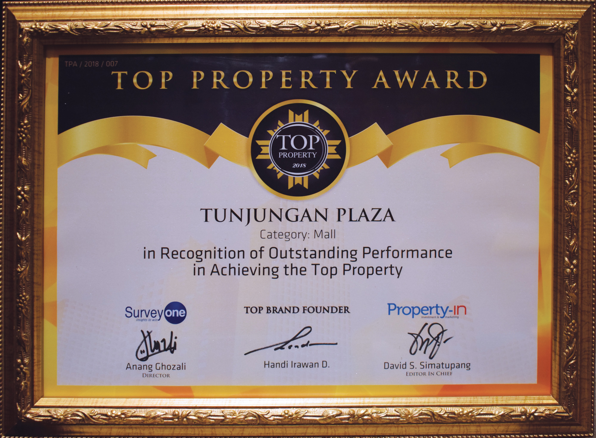 /public/files/image-companny/award-slider/11.TopPropertyAward-TUNJUNGANPLAZA-InRecognitionofOutstandingPerformanceinAchievingtheTopProperty-May2018.jpg