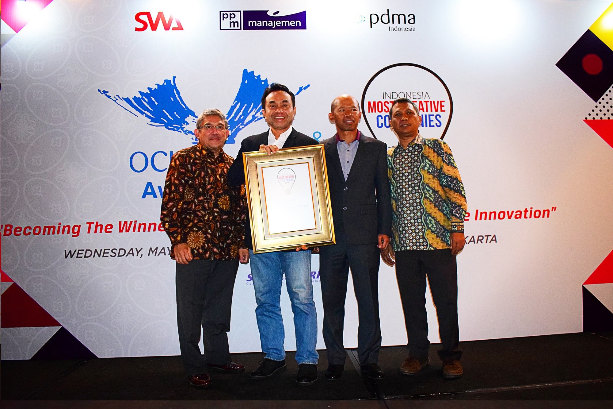 /public/files/image-companny/award-slider/8.OCIIndonesaiAward2018-PakuwonMall-IndonesiaMostCreativeCompany2018-May2018.jpg